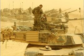 قوات عسكرية ضمت أكثر من 900 ألف رجل، بينهم 540 ألف أميركي شاركت بعاصفة الصحراء (رويترز)