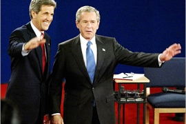 REUTERS – U.S. President George W. Bush (R) and Democratic presidential nominee John Kerry wave to the audience before