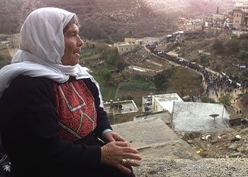 اللاجئون الفلسطينيون بين التوطين و العودة