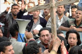f_More than 400 Coptic Orthodox Christians protest 05 November 2004 at the patriarchal headquarters in Cairo after
