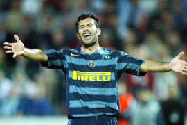 r/Inter Milan's Luis Figo of Portugal reacts during a Champions League Group H soccer match against Artmedia Bratislava at the Tehelne Pole stadium in Bratislava September 13, 2005. Inter Milan defeated Artmedia 1-0.