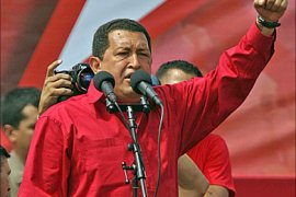 f_Venezuelan President Hugo Chavez delivers a speech during a political rally in Caracas, 26 November 2006. Popular president and anti-US icon Hugo Chavez held a wide