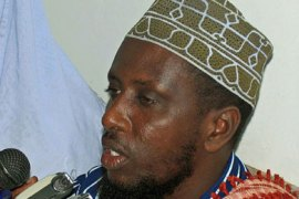 (FILES) This file picture taken 11 July 2006 shows Sheikh Sharif Sheikh Ahmed, executive chief of the Supreme Islamic Council of Somalia (SICS), holdING a press conference