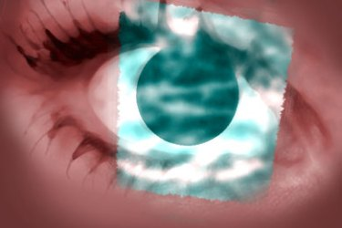 السواد تحت العينين قد يدل على وجود مرض خطير