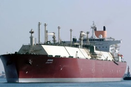 "afp : Qatari Liquefied Natural Gas (LNG) carrier ""Duhail"" passes through the Suez Canal near the Egyptian port city of Ismailia on April 1, 2008. The vessel has a capacity of"