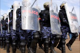 r_Police trainees demonstrate crowd control techniques and other skills during a visit of the United Nations (UN) Security Council at a UN-run training camp in the southern Sudanese