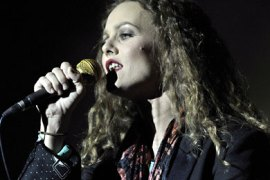 epa French singer Vanessa Paradis performs on the main stage during the 33rd Paleo Festival, in Nyon, Switzerland, late 26 July 2008.