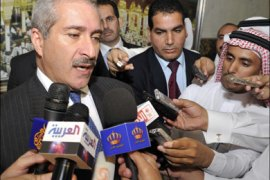 afp : JED08 – Jeddah, -, SAUDI ARABIA : Jordan's Foreign Minister Nasser Judeh talks to the press after a ministerial meeting of Gulf Cooperation Council (GCC) member states, also attended by Morocco's top diplomat, in the Saudi Red Sea port city of Jeddah on September 11, 2011, to discuss