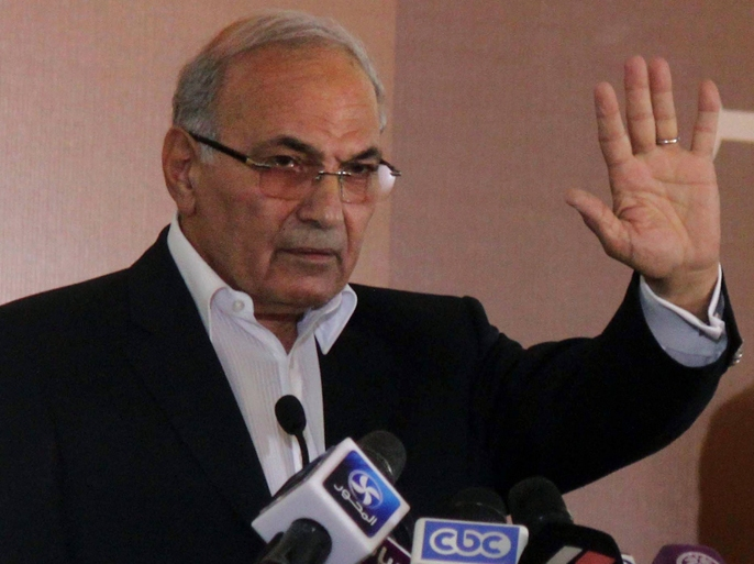 Egyptian presidential candidate Ahmed Shafiq attends a press conference in Cairo on June 14, 2012 after Egypt's top court rejected law barring him from standing in a tense presidential poll runoff. AFP