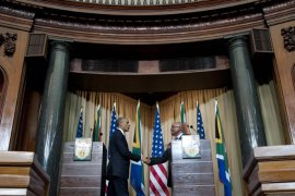 "SAL033 – Pretoria, -, SOUTH AFRICA : South African President Jacob Zuma (R) and US President Barack Obama shake hands following a joint press conference at the Union Building in Pretoria, on June 29, 2013. US President Barack Obama Saturday decided not to visit his political hero Nelson Mandela in hospital to preserve the ""peace and comfort"" of the anti-apartheid legend, whose family he will meet to offer prayers instead. AFP PHOTO / Saul LOEB"