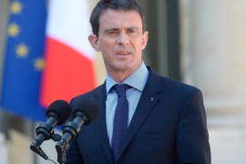 PARIS, FRANCE – APRIL 22:  French Prime Minister Manuel Valls addresses the press as he leaves the Elysee Palace after the weekly cabinet meeting on April 22, 2015 in Paris, France.  Just over three months after Paris was hit by terrorists attacks, an IT student who allegedly planned to attack a few churches has been arrested on sunday.