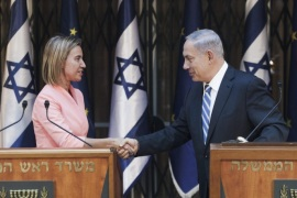 Israeli Prime Minister Benjamin Netanyahu (R) and High Representative of the European Union for Foreign Affairs and Security Policy Federica Mogherini (L) shake hands during a press conference after their meeting in Jerusalem, Israel, 20 May 2015. The moribund Israeli-Palestinian peace process should be revived, EU foreign policy chief Federica Mogherini said on a visit to the West Bank, as Palestinian leaders insisted Israel must first freeze settlements. Mogherini said before arriving in Israel and the West Bank that she wanted to convey a message that the European Union would not let up pressure on both sides to achieve a two-state solution to their conflict.