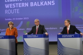 (L-R) German Chancellor Angela Merkel, European Commission President Jean-Claude Juncker and High Commissioner for Refugees, Portuguese, Antonio Guterres give a final press briefing at the end of a summit to discuss refugee flows along the Western Balkans route, at the European Commission in Brussels, Belgium, 25 October 2015. President Juncker convened the leaders of the countries concerned and most affected by the emergency situation along the Western Balkans route. The aim of the summit is to improve cooperation and step up consultation between the countries along the route and decide on pragmatic operational measures that can be implemented immediately to tackle the refugee crisis in that region.