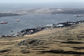 (FILE) A file photograph dated 21 March 2012 showing a general view of Stanley, Falkland Islands. Falkland Oil and Gas Limited, an oil and gas exploration company exploring areas around the  Falkland Islands for gas and oil, announced 02 April 2015 they had  successful results from the 14/15b-5 'Zebedee' exploration well. British media said the find may raise tensions between Britain and Argentina, that fought a ten-week lasting war over Falkland Islands that were invaded by Argentina on 02 April 1982.