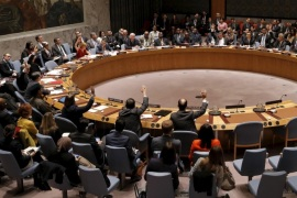 United Nations Security Council members cast their votes in favor of the adoption of the agenda during a meeting of the United Nations Security Council on alleged human rights abuses by North Korea which has been accused by a U.N. inquiry of abuses comparable to Nazi-era atrocities at U.N. headquarters in New York, December 10, 2015. REUTERS/Mike Segar