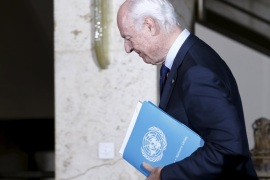 U.N. mediator Staffan de Mistura leaves after a news conference following a meeting with the High Negotiations Committee (HNC) during Syria Peace talks at the United Nations in Geneva, Switzerland, April 13, 2016.  REUTERS/Denis Balibouse