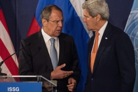 Russian Foreign Minister Sergei Lavrov (L) and US Secretary of State John Kerry talk as they attend a press conference during meeting of the International Syria Support Group (ISSG) at the Palais Niederssterreich building in Vienna, Austria, 17 May 2016. Chief diplomats from about 20 countries are holding crisis talks on Syria in ths Austrian capital to discuss a ceasefire process and political settlement.