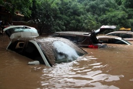Automobiles are flooded after heavy rainfall in Guilin, Guangxi Zhuang Autonomous Region, China, May 8, 2016. REUTERS/Stringer ATTENTION EDITORS – THIS IMAGE WAS PROVIDED BY A THIRD PARTY. EDITORIAL USE ONLY. CHINA OUT.