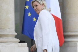 Leader of the French party National Front (FN) Marine Le Pen arrives at the Elysee Palace for a meeting with French President Francois Hollande (unseen) in Paris, France, 25 June 2016. Britons in a referendum on 23 June have voted by a narrow margin to leave the European Union (EU). Media reports on early 24 June indicate that 51.9 per cent voted in favour of leaving the EU while only 48.1 per cent voted for remaining in.