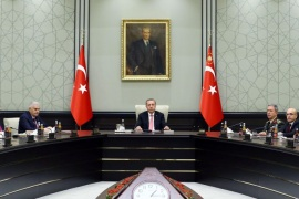 Turkish President Tayyip Erdogan (C) chairs a National Security Council (MGK) meeting at the presidential palace in Ankara, Turkey, July 20, 2016. Kayhan Ozer/Presidential Palace/Handout via REUTERS ATTENTION EDITORS – THIS PICTURE WAS PROVIDED BY A THIRD PARTY. FOR EDITORIAL USE ONLY. NO RESALES. NO ARCHIVE.