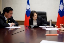 Taiwan's President Tsai Ing-wen speaks on the phone with U.S. president-elect Donald Trump at her office in Taipei, Taiwan, December 3, 2016. Taiwan Presidential Office/Handout via REUTERS      ATTENTION EDITORS – THIS IMAGE WAS PROVIDED BY A THIRD PARTY. EDITORIAL USE ONLY. NO RESALES. NO ARCHIVE. TAIWAN OUT.