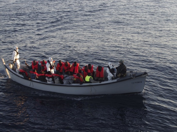 midan – Migrants are rescued by the Italian Navy in the Mediterranean Sea