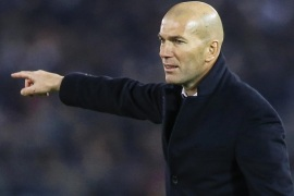 Real Madrid's head coach Zinedine Zidane reacts during the FIFA Club World Cup 2016 final between Real Madrid and Kashima Antlers in Yokohama, Japan, 18 December 2016.