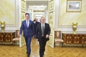 Russian President Vladimir Putin (R) and Syrian President Bashar al-Assad enter a hall during a meeting at the Kremlin in Moscow, Russia, October 20, 2015. To match INSIGHT MIDEAST-CRISIS/SYRIA-ALEPPO-FALL Alexei Druzhinin/RIA Novosti/Kremlin/via REUTERS/File Photo ATTENTION EDITORS – THIS IMAGE HAS BEEN SUPPLIED BY A THIRD PARTY.