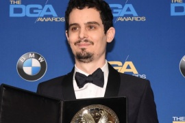 Feature Film Award nominee, Damien Chazelle, poses for photographers at the 69th annual DGA Awards in Beverly Hills, California, U.S. February 4, 2017. REUTERS/Phil McCarten
