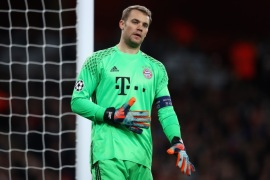 LONDON, ENGLAND – MARCH 07:  Manuel Neuer of  FC Bayern Muenchen in action during the UEFA Champions League Round of 16 second leg match between Arsenal FC and FC Bayern Muenchen at Emirates Stadium on March 7, 2017 in London, United Kingdom.  (Photo by Clive Mason/Getty Images)
