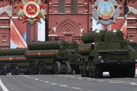 Russian S-400 Triumph medium-range and long-range surface-to-air missile systems drive during the Victory Day parade, marking the 71st anniversary of the victory over Nazi Germany in World War Two, at Red Square in Moscow, Russia, May 9, 2016.  REUTERS/Grigory Dukor