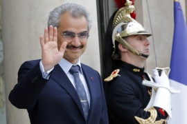 Saudi Arabian Prince Al-Waleed bin Talal arrives at the Elysee palace in Paris, France, to attend a meeting with French President, September 8 , 2016. REUTERS/Philippe Wojazer