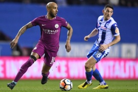 WIGAN, ENGLAND – FEBRUARY 19:  Fabian Delph of Manchester City runs with the ball during the Emirates FA Cup Fifth Round match between Wigan Athletic and Manchester City at DW Stadium on February 19, 2018 in Wigan, England.  (Photo by Gareth Copley/Getty Images)