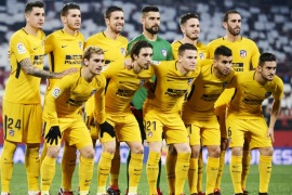 SEVILLE, SPAIN – JANUARY 23:  Atletico Madrid line up for a team photo prior to the Copa del Rey, Quarter Final, second Leg match between Sevilla FC and Atletico de Madrid at Estadio Ramon Sanchez Pizjuan on January 23, 2018 in Seville, Spain.  (Photo by Aitor Alcalde/Getty Images)