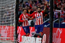 Soccer Football – La Liga Santander – Atletico Madrid vs Athletic Bilbao – Wanda Metropolitano, Madrid, Spain – February 18, 2018  Atletico Madrid's Diego Costa celebrates scoring their second goal with Antoine Griezmann      REUTERS/Javier Barbancho