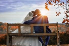 لماذا يستمر الشباب بمشاهدة الأفلام الإباحية بعد زواجهم؟ | العالم ...