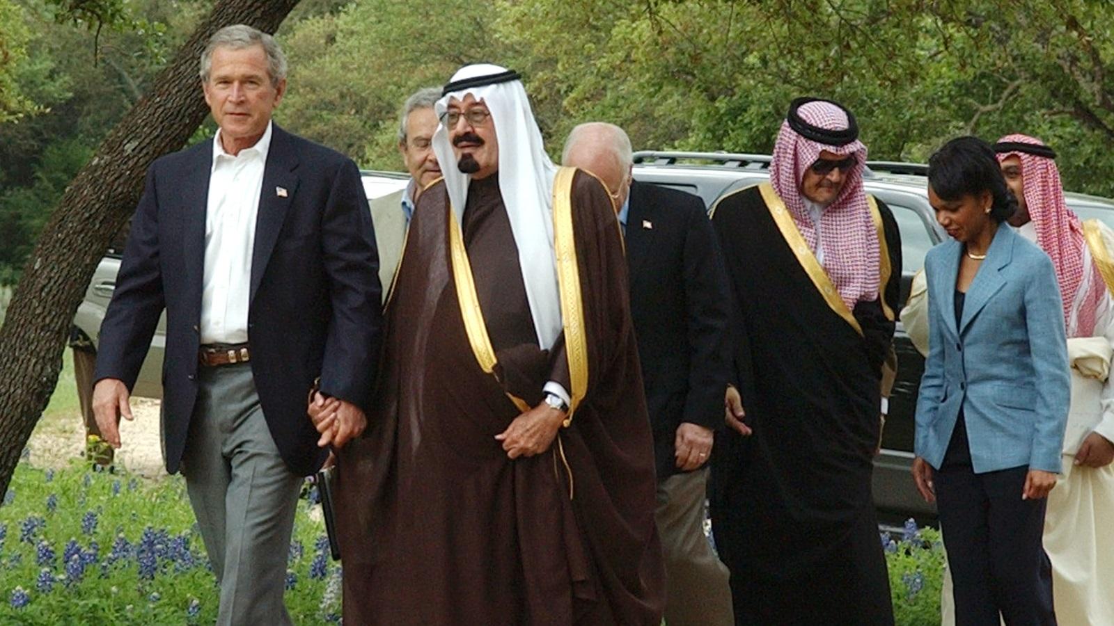 الملك الراحل عبد الله بن عبد العزيز والرئيس الأميركي السابق جورج بوش (غيتي)