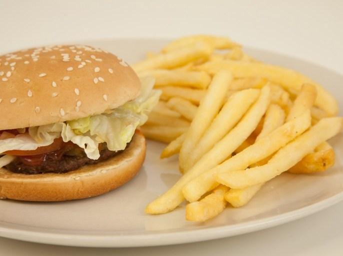 استهلاك اللحوم والسكريات تنتج عنه حمضية عالية في الجسم توفر بيئة مثالية للإجهاد واضطرابات النوم (الألمانية)