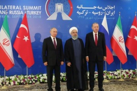 President Vladimir Putin of Russia, Hassan Rouhani of Iran and Tayyip Erdogan of Turkey meet in Tehran, Iran September 7, 2018. Sputnik/Mikhail Klimentyev/Kremlin via REUTERS ATTENTION EDITORS – THIS IMAGE WAS PROVIDED BY A THIRD PARTY.