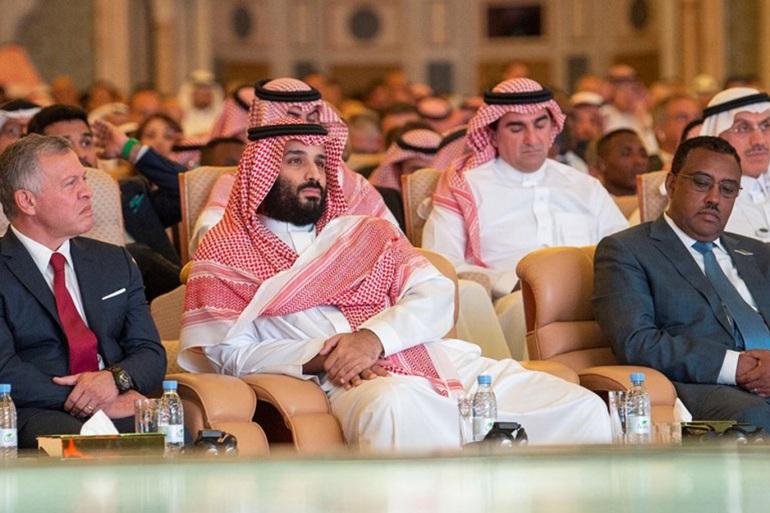 لماذا أطاح ملك الأردن بمستشار محمد بن سلمان