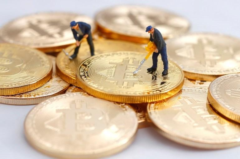 معظم مكاسب البتكوين تحققت بعدما أعلنت شركة تسلا أنها اشترت ما قيمته 1.5 مليار دولار من العملة الرقمية (رويترز)