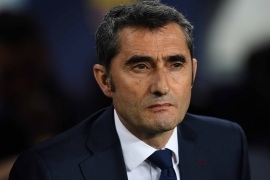 BARCELONA, SPAIN – APRIL 20: Head coach Ernesto Valverde of FC Barcelona looks on ahead of the La Liga match between FC Barcelona and Real Sociedad at Camp Nou on April 20, 2019 in Barcelona, Spain. (Photo by David Ramos/Getty Images)