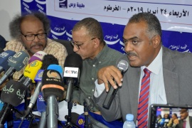 Sudan opposition rejects deadline for handover of power- – KHARTOUM, SUDAN – APRIL 24 : Members of the Freedom and Change Charter Siddiq Farouk Al-Sheikh (R), Omar el-Degeir (C), Muawia Shaddad (L) and Ayman Khalid (not seen) give press conference in Khartoum, Sudan, April 24, 2019. Opposition leaders rejected the proposal at the joint press conference held in Khartoum by representatives of the Sudanese Professionals Association (SPA), the opposition National Consensus and Sudan Appeal parties, and a handful of civil-society organizations.