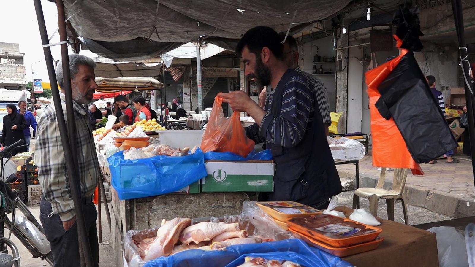 فقراء سوريا يلجؤون لبدائل غذائية في رمضان