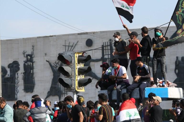 اعتصام مفتوح في بغداد بعد يوم دامٍ والبرلمان يفشل في الانعقاد