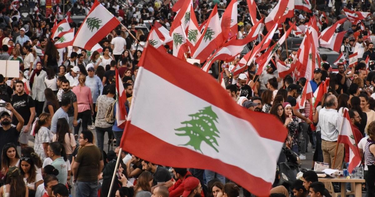 """أشعلتها شرارة """"واتساب"""".. أزمات لبنان منذ 2019"""
