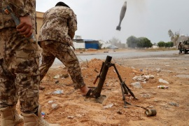 A fighter loyal to Libya's U.N.-backed government (GNA) fires a mortar during clashes with forces loyal to Khalifa Haftar on the outskirts of Tripoli, Libya May 25, 2019. REUTERS/Goran Tomasevic