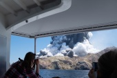 New Zealand's White Island volcano erupts epaselect epa08056479 An image provided by visitor Michael Schade shows White Island (Whakaari) volcano, as it erupts, in the Bay of Plenty, New Zealand, 09 December 2019. According to police, at least five people have died in the volcanic erruption at around 2:11 pm local time on 09 December. The island is located around 40km offshore of the Bay of Plenty. EPA-EFE/MICHAEL SCHADE MANDATORY CREDIT: MICHAEL SCHADE EDITORIAL USE ONLY/NO SALES
