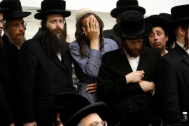 Ultra Orthodox Jews mourn for Jewish spiritual leader Rabbi Menachem Mendel Taub during his funeral ceremony in Jerusalem, April 28, 2019. REUTERS/Ronen Zvulun
