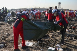 Red Crescent workers check plastic bags at the site where the Ukraine International Airlines plane crashed after take-off from Iran's Imam Khomeini airport, on the outskirts of Tehran, Iran January 8, 2020. Nazanin Tabatabaee/WANA (West Asia News Agency) via REUTERS ATTENTION EDITORS – THIS IMAGE HAS BEEN SUPPLIED BY A THIRD PARTY TPX IMAGES OF THE DAY